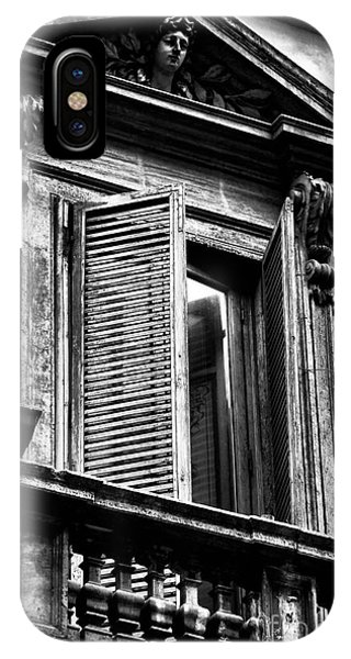 Open Shutter In Rome Phone Case by John Rizzuto
