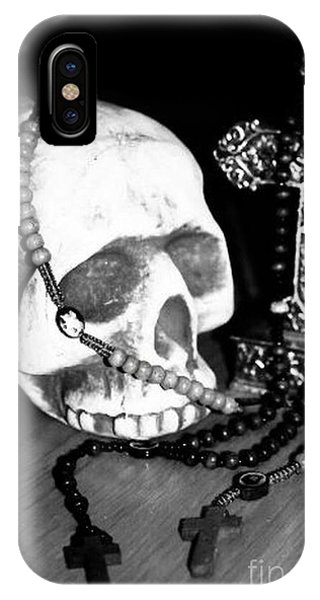 Skull 5 IPhone Case