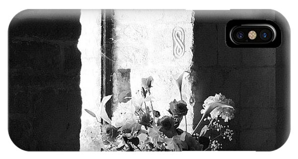 Still Life iPhone Case - Uncolored Flowers by Chi ha paura del buio NextSolarStorm Project