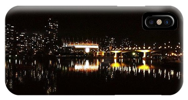 City Scape iPhone Case - Vancouver At Night by Tonino Guzzo