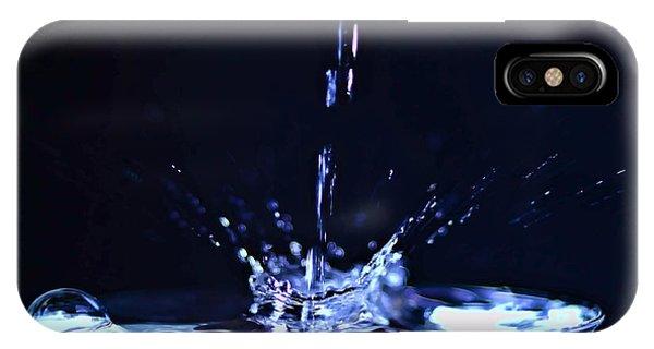 Stop Action iPhone Case - Water Splash Stop Action by Sven Brogren