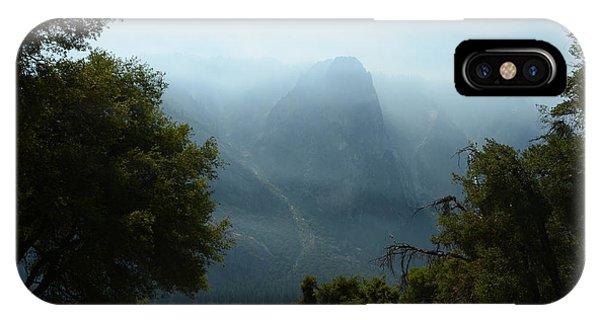 Yosemite Falls Hike IPhone Case