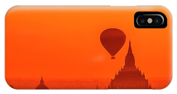 Bagan Pagodas And Hot Air Balloon IPhone Case