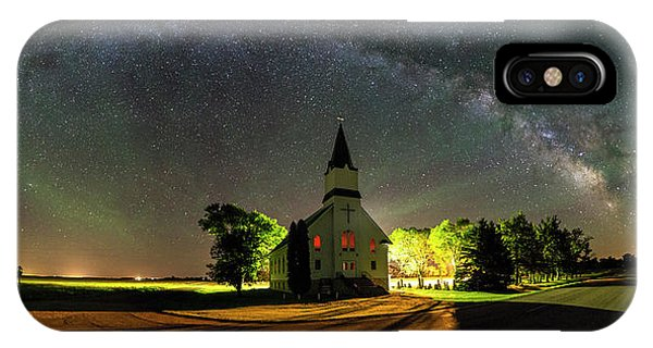 Middle Of Nowhere iPhone Case - Glorious Night by Aaron J Groen