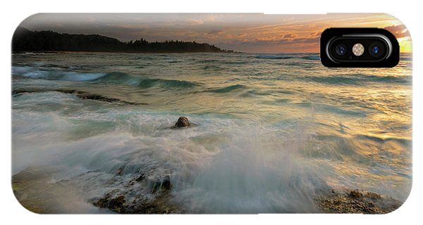Oahu iPhone Case - Golden Light by Mike Dawson