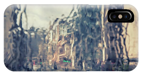 IPhone Case featuring the photograph London In Rain by Ariadna De Raadt