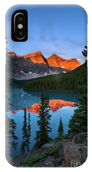 Rocky Mountain Np iPhone Case - Moraine Lake - Canada by Henk Meijer Photography