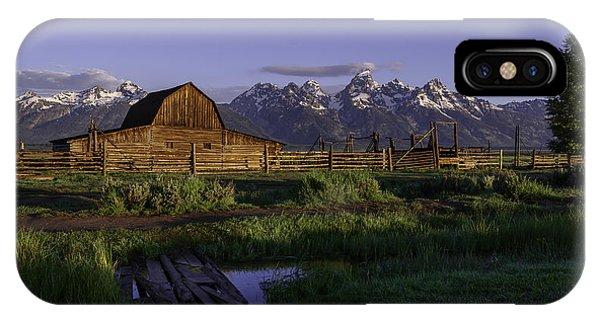 Moulton Barn At Dawn IPhone Case