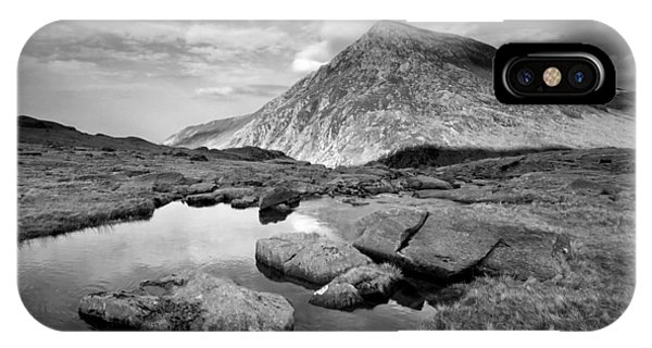 Pen Yr Ole Wen From Cwm Idwal IPhone Case