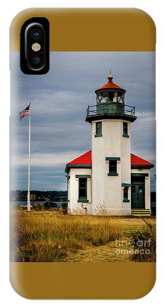 Point Robinson  Lighthouse,vashon Island.wa IPhone Case