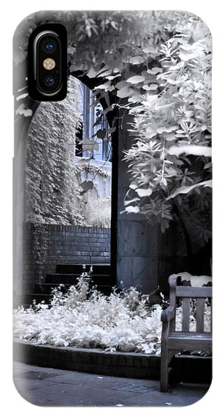 St Dunstan's In The East IPhone Case