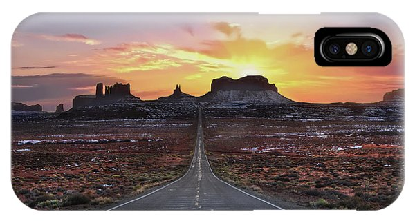 Monument Valley iPhone Case - The Long Road To Monument Valley by Larry Marshall