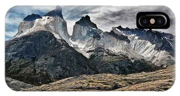 Cuernos Del Paine IPhone Case