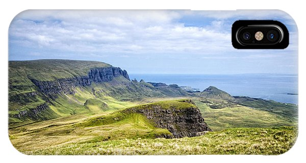 Isle Of Skye iPhone Case - The Quiraing by Smart Aviation