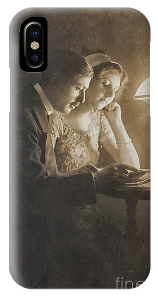 Vintage Loving Couple Reading With Oil Lamp IPhone Case