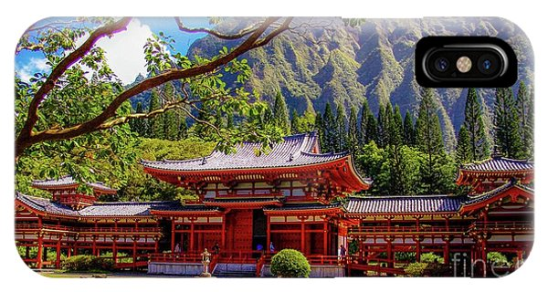 Buddhist Temple - Oahu, Hawaii - IPhone Case