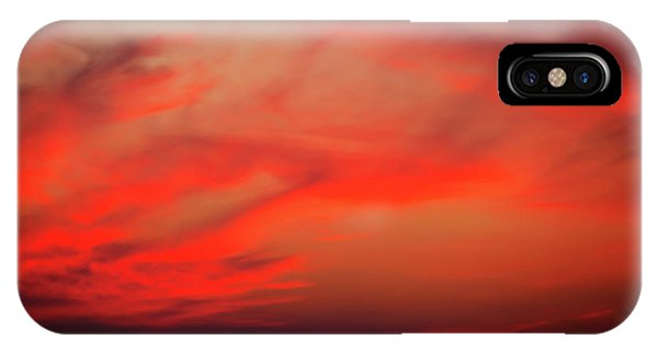 Tropes iPhone Case - a gorgeous sunset with luminous red clouds over the Yala Nationalpark by Gina Koch