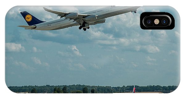 A Way Home Lufthansa Airlines Airbus 340-300 Atlanta Airport Art IPhone Case