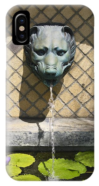 J Paul Getty iPhone Case - Animal Fountain Head by Teresa Mucha