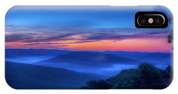 Artist Point Sunrise IPhone Case