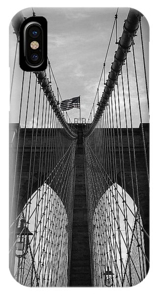 Mono iPhone Case - Brooklyn Bridge by Nicklas Gustafsson