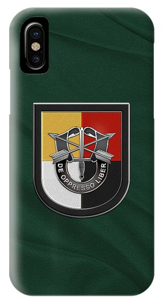 U. S.  Army 3rd Special Forces Group - 3  S F G  Beret Flash Over Green Beret Felt IPhone Case