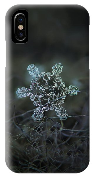 Real Snowflake - Slight Asymmetry New IPhone Case