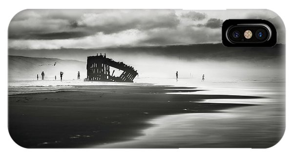 Oregon Sand Dunes iPhone Case - At Peter Iredale Shipwreck Mono by Eduard Moldoveanu