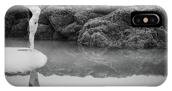 Tidal iPhone Case - At The Edge by Inge Johnsson