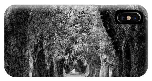 Avenue Of Oaks B W St Simons Island Georgia Art IPhone Case