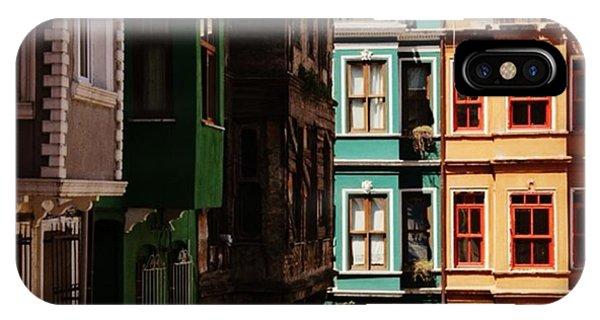 House iPhone Case - #balat #istanbul #eskibinalar #renkli by Ozan Goren