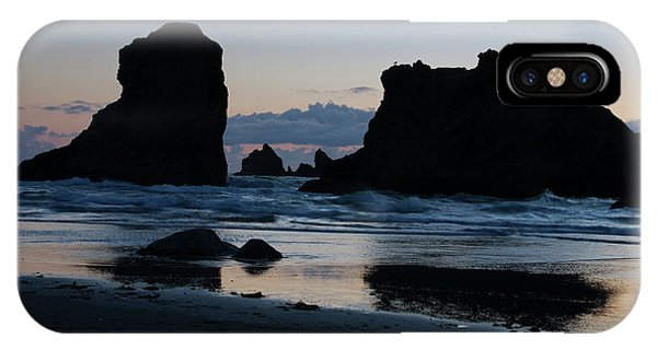 Bandon Oregon Sea Stacks IPhone Case