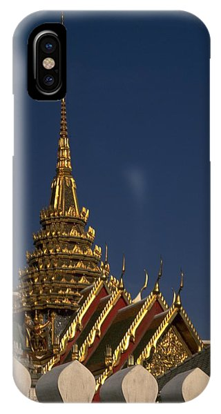 Michel Guntern iPhone Case - Bangkok Grand Palace by Travel Pics