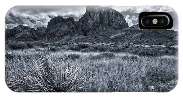 Middle Of Nowhere iPhone Case - Big Bend National Park by Linda Unger