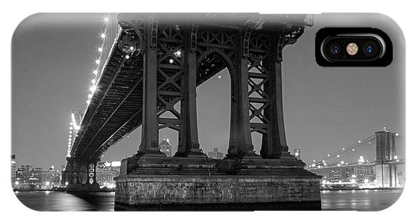 Black And White - Manhattan Bridge At Night IPhone Case