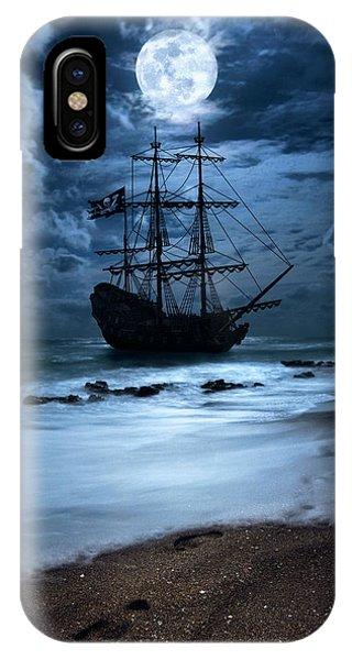 Black Pearl Pirate Ship Landing Under Full Moon IPhone Case