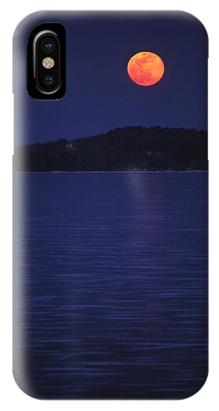 Blood Moon - Black Point - Lake Geneva Wisconsin IPhone Case
