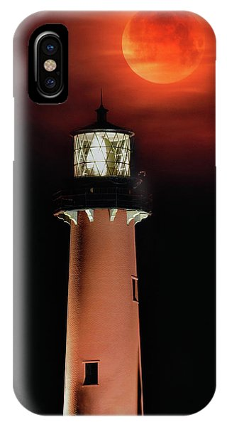 Blood Moon Rising Over Jupiter Lighthouse In Florida IPhone Case