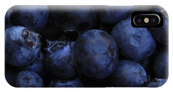Blueberries Close-up - Horizontal IPhone Case