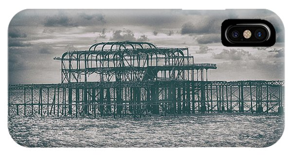 Tidal iPhone Case - Brighton's Old Pier by Martin Newman