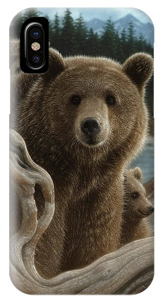 Brown Bear With Cubs - Backpacking IPhone Case