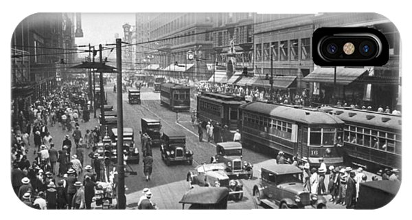 Trolley Car iPhone Case - Busy State Street In Chicago by Keystone View Company