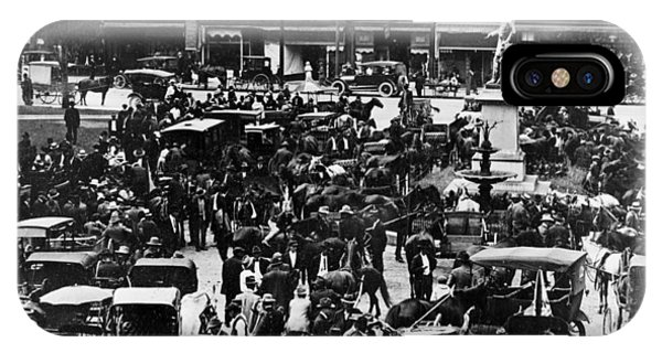 Cheapside Public Square In Lexington - Kentucky - April 7  1920 IPhone Case