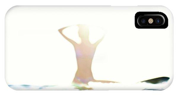 Chica Agua IPhone Case