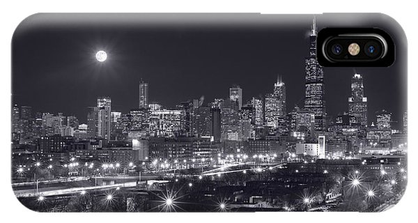 Full Moon iPhone Case - Chicago By Night by Steve Gadomski