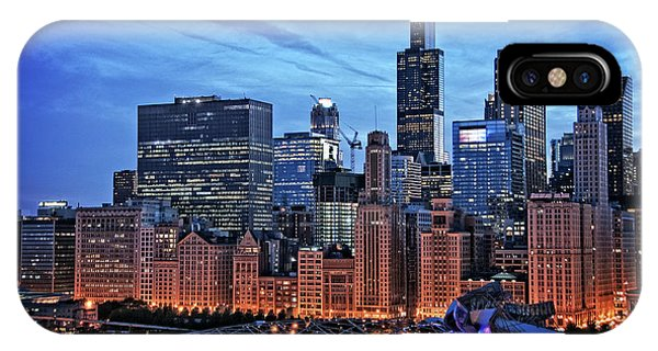 Skyscraper iPhone Case - Chicago At Night by Bruno Passigatti