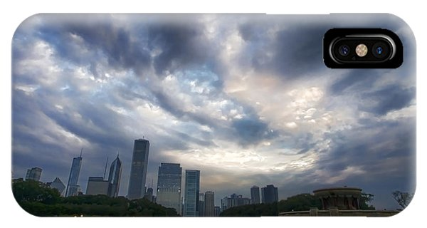 Chicago's Buckingham Fountain When It's Turned Off IPhone Case