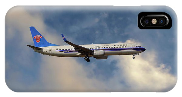 Chinese iPhone Case - China Southern Airlines Boeing 737-81q by Smart Aviation
