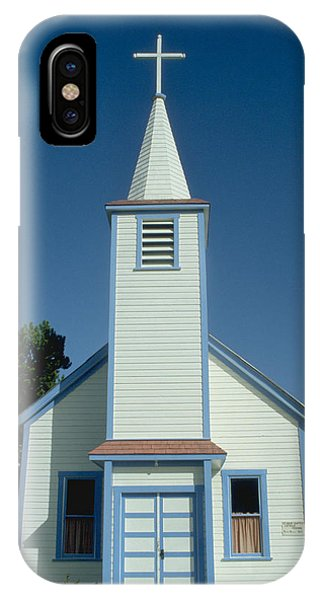 Church In Alaska Phone Case by Carl Purcell
