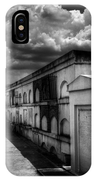 Cities Of The Dead In Black And White IPhone Case